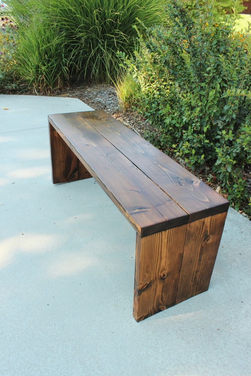 How to Stain Wood- outdoor bench
