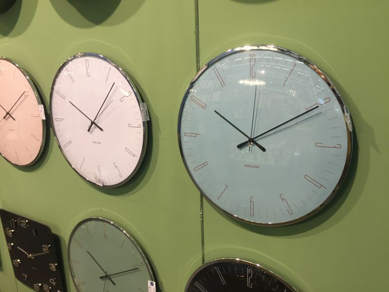 Modern and cool wall clocks that favor looks without neglecting img3240 gumiabroncs Gallery