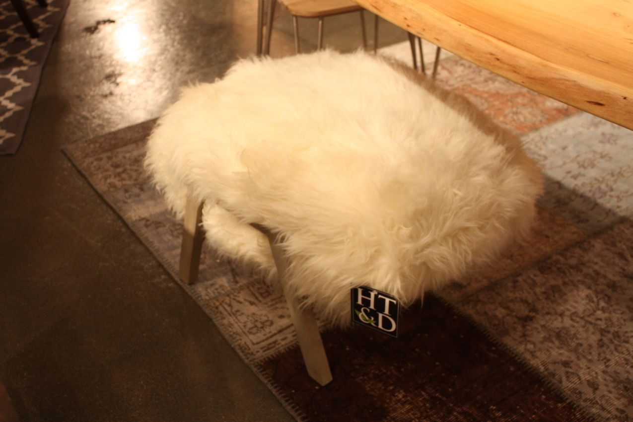long-fur-bench