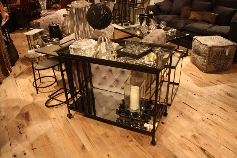 luxury-bar-cart-design-with-mirror