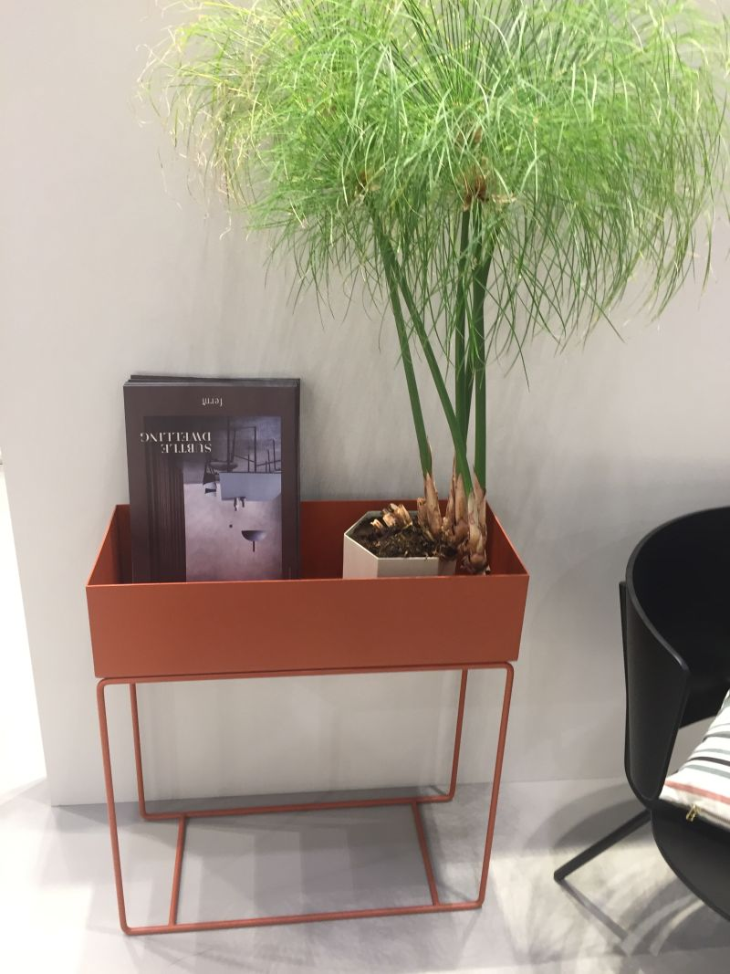 metalic-wire-planter-on-orange