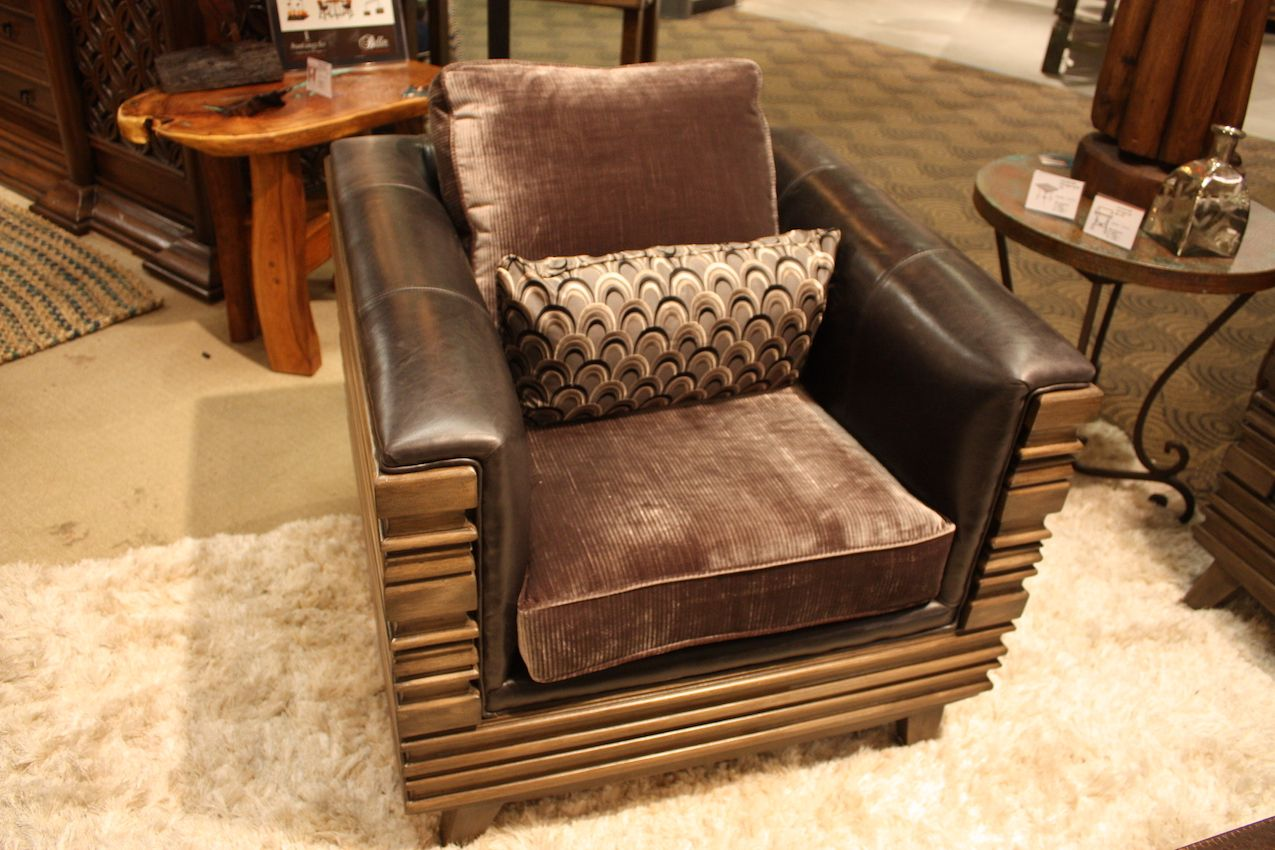 Molding chair from Bella rustica