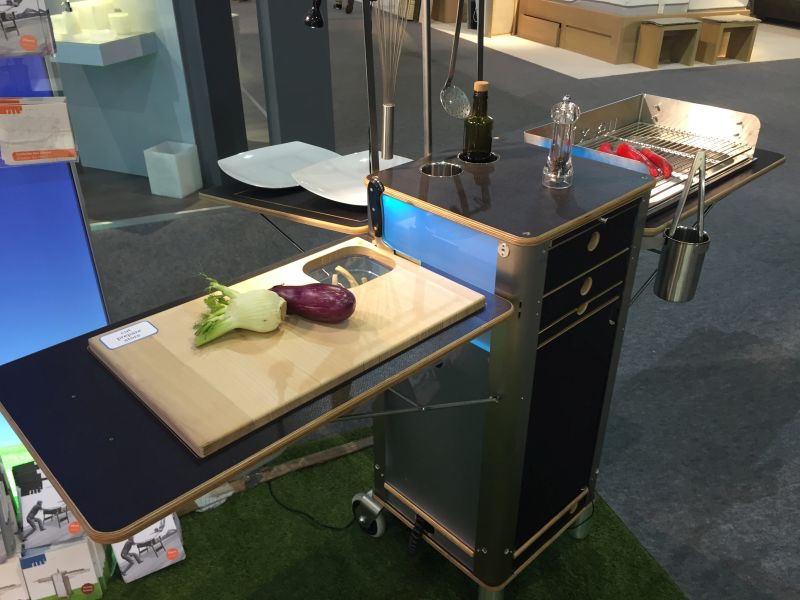 Movable small kitchen