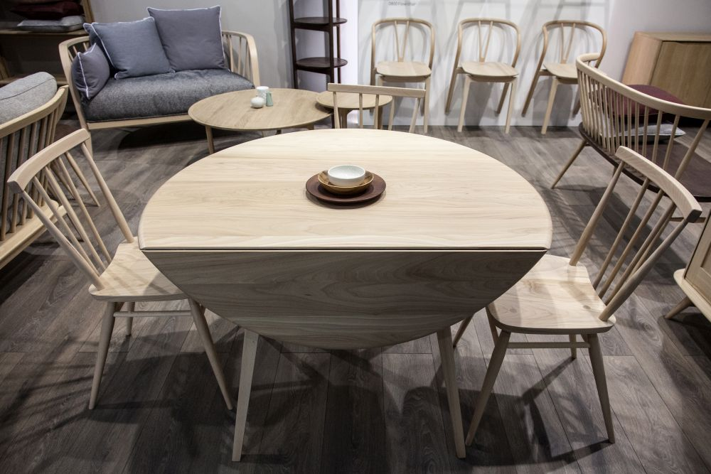 Original drop leaf round dining table