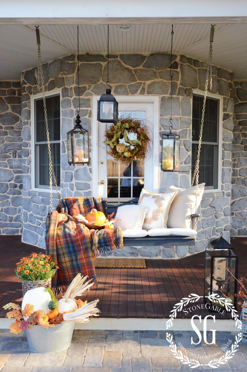 outdoor-fall-linens