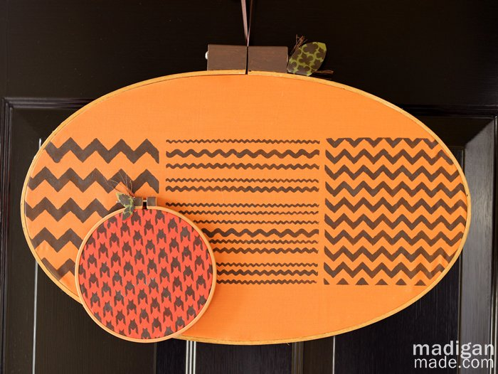 patterned-embroidery-hoop-pumpkins