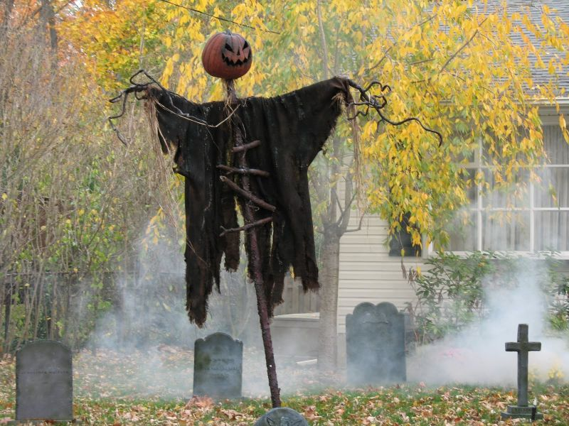 Halloween lawn decorations diy - 16 Diy Yard Decorations For The Scariest House Award