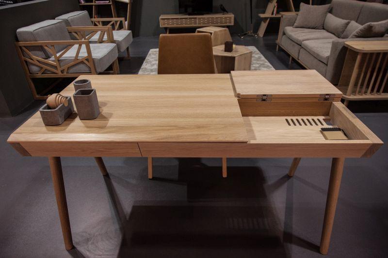 putty-brown-desk