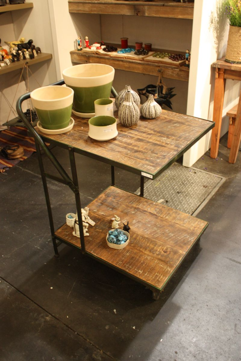reclaimed-wood-bar-cart-design
