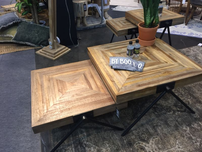 rectangular-wood-rustic-coffee-table