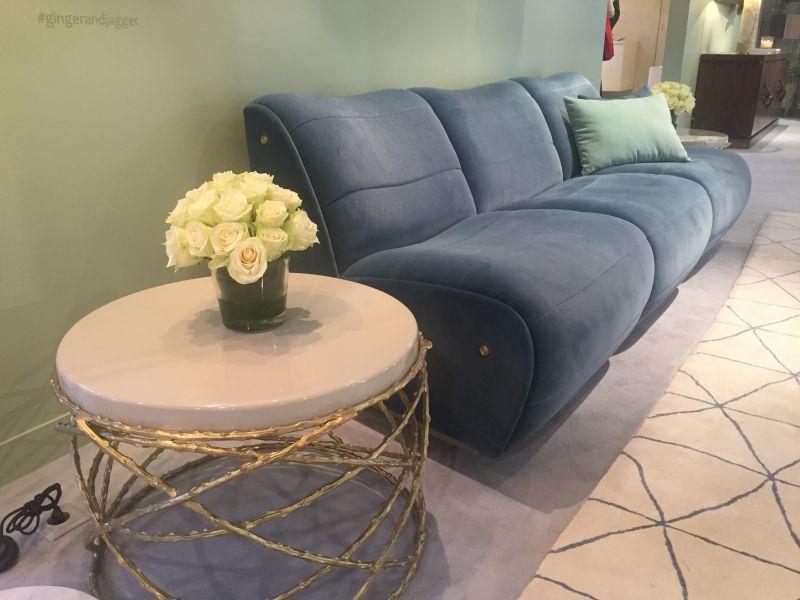 rosebush-sofa-table-branch