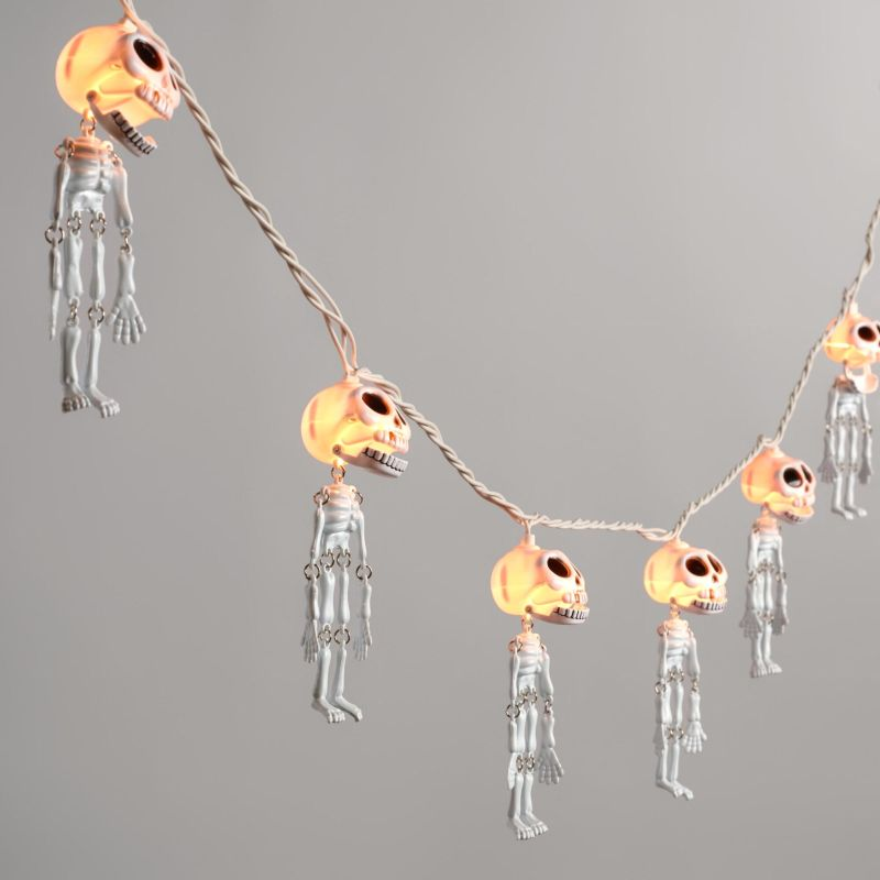 skeletons-halloween-string-lights