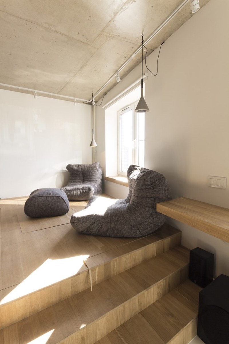 Small apartment in Moscow with cozy chairs