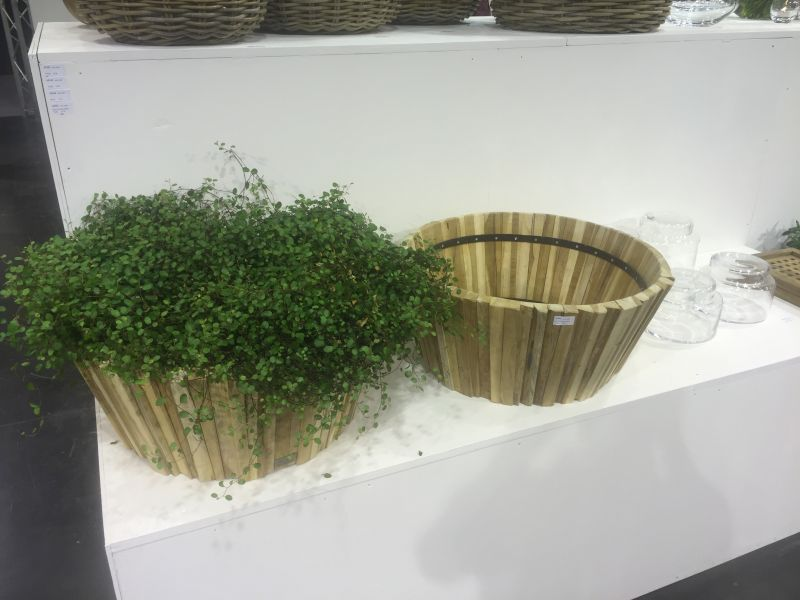 small-wooden-flower-baskets