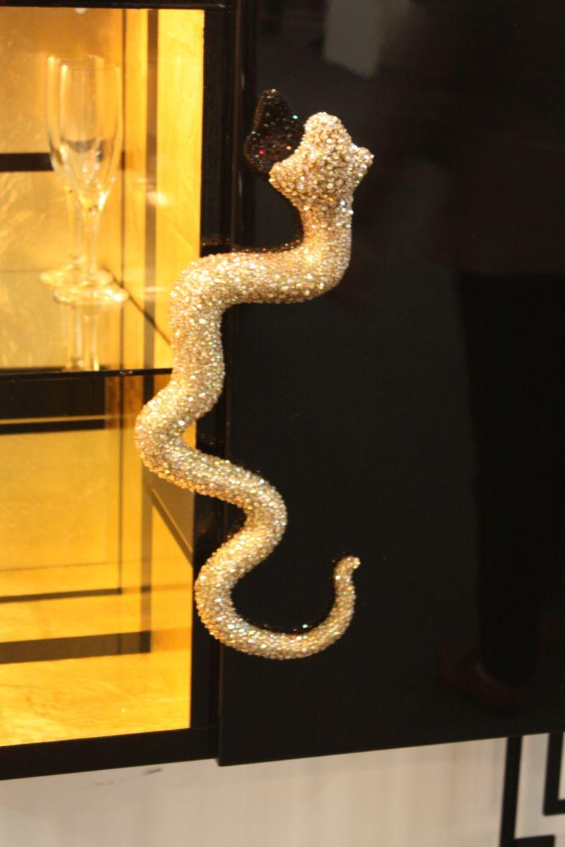 snake-cabinet-handle