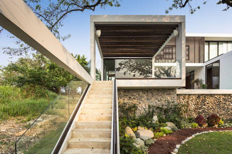 tabasco-house-stair