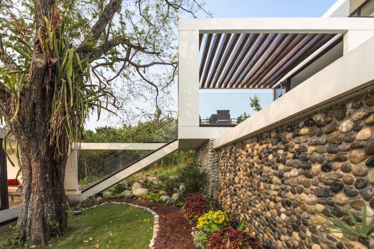 tabasco-house-stone-wall