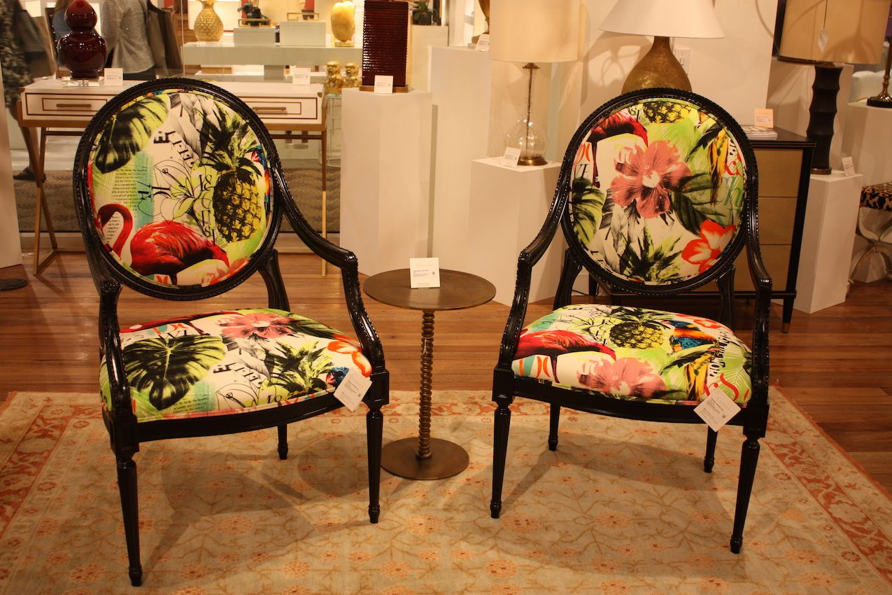 Tropical patterns for chairs