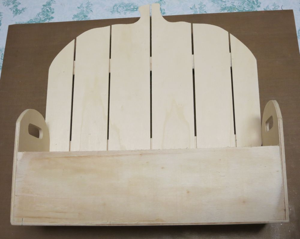 wood-pumpkin-basket-for-fall-before-paint