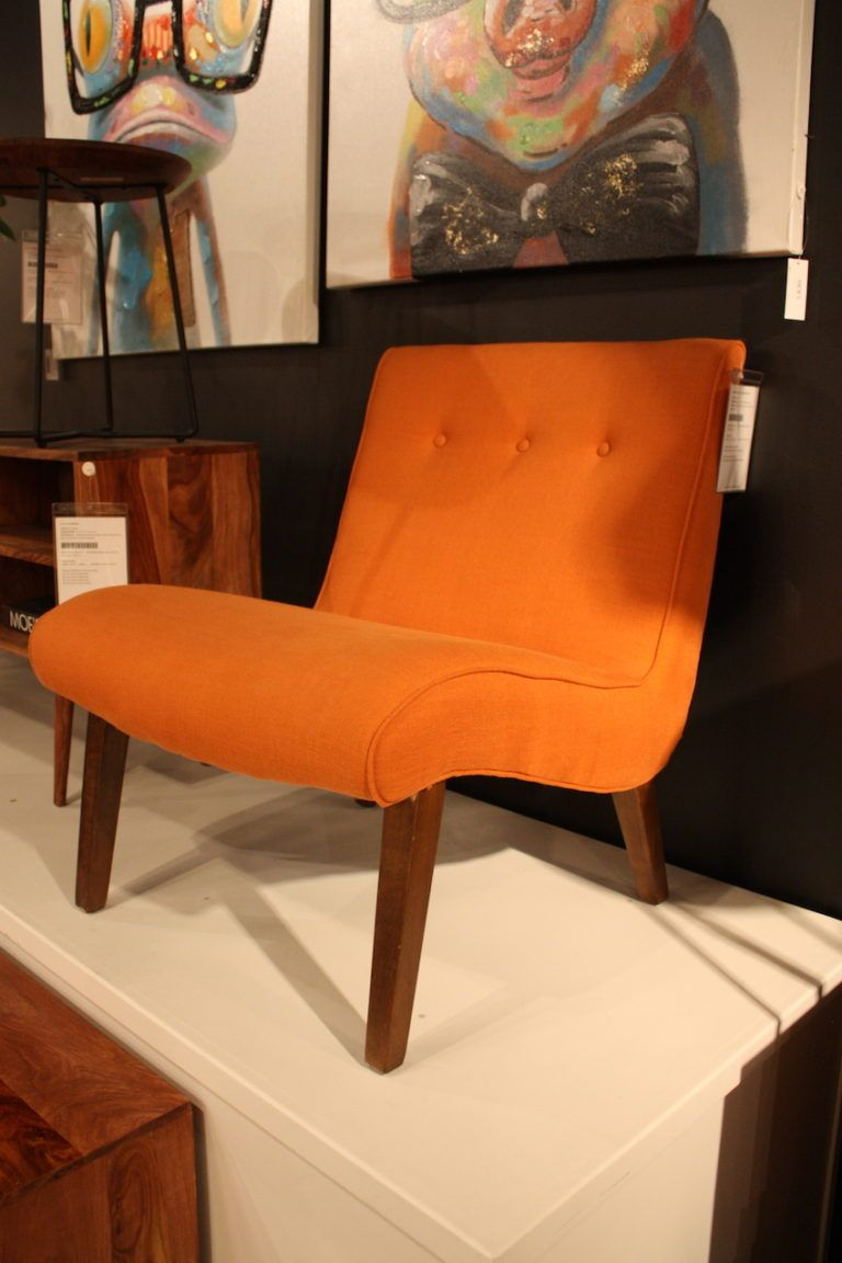 moes curved armless chair design
