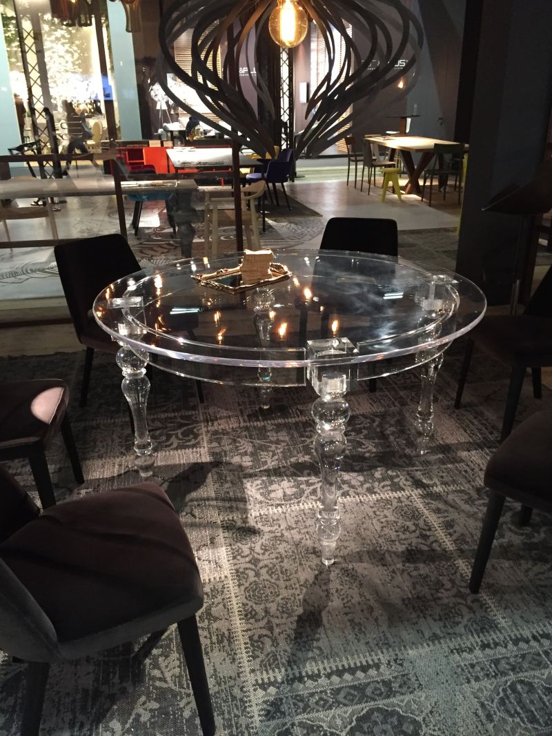 Charmant Acrylic Round Dining Table Design