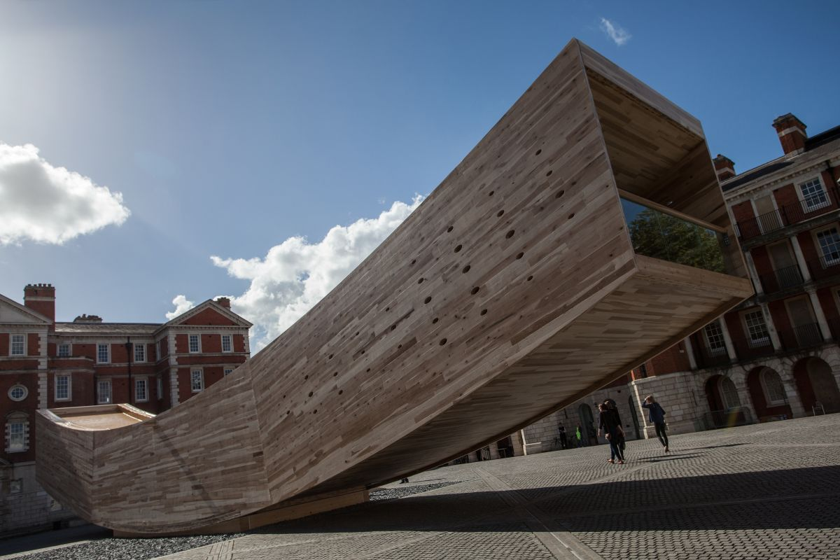 Attractive and interactiv landmark in London from Alison brooks architects