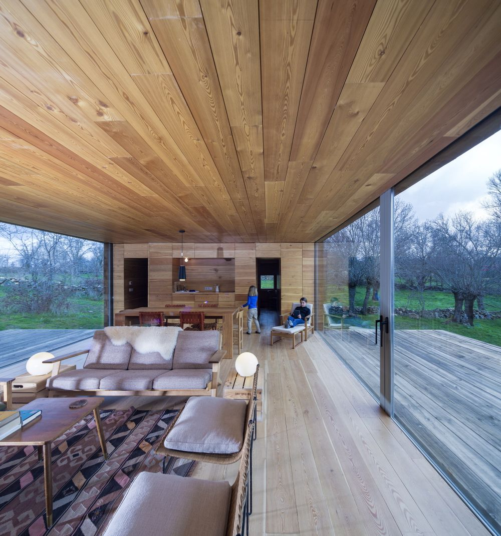 B House from ch+qs arquitectos Living