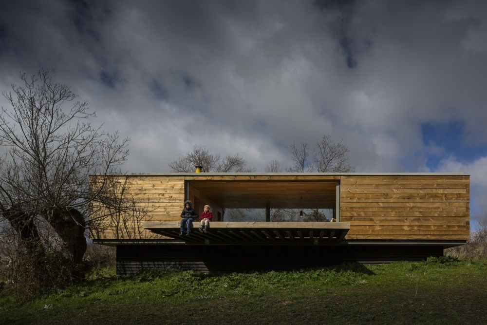B House from ch+qs arquitectos landscape