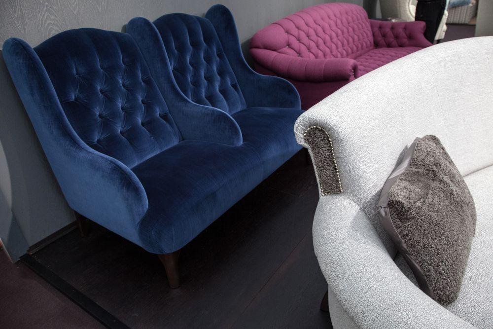 Buckingham tufted double armchair