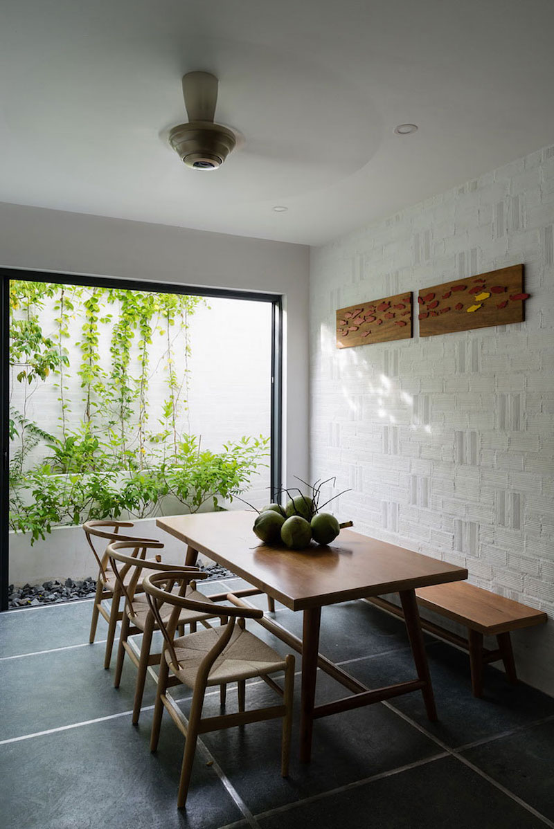 Can Tho House dining area