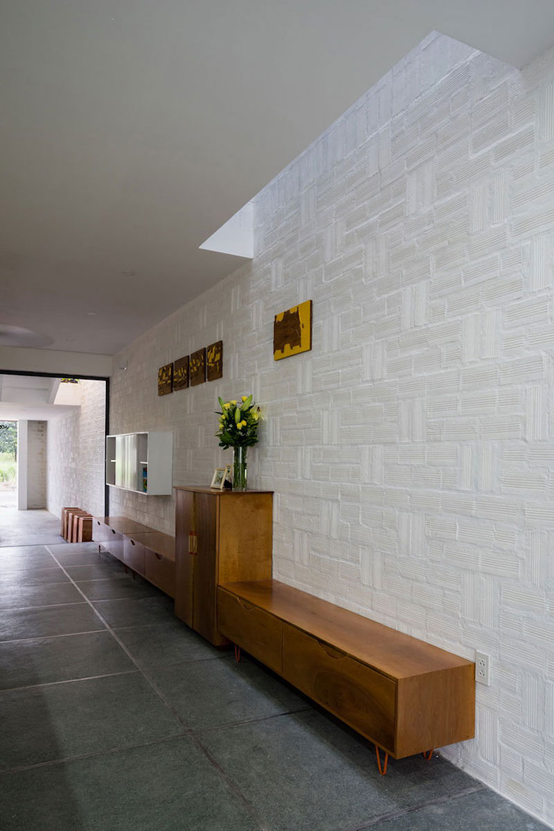 Can Tho House textured wall
