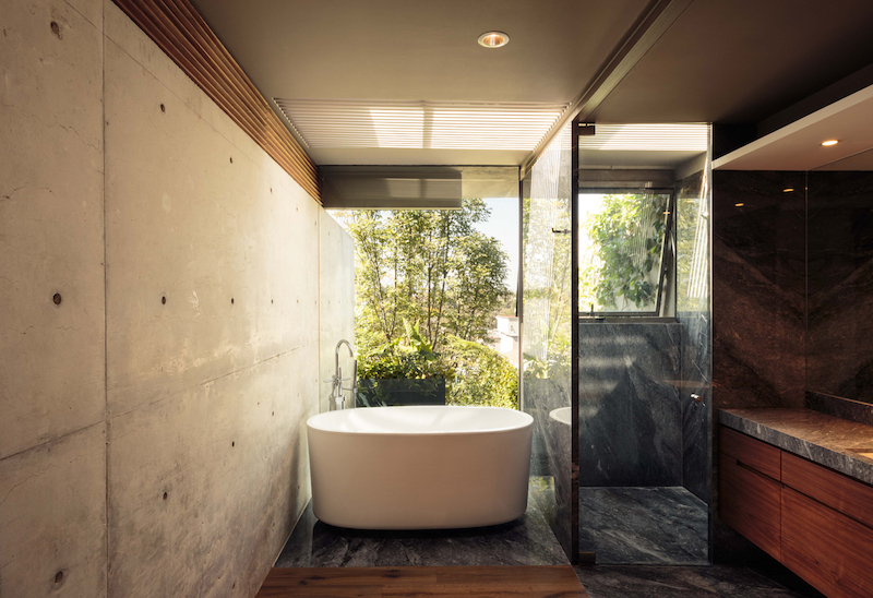 Caucaso House bathroom with view