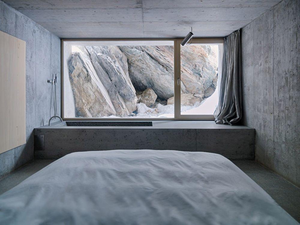 Concrete Refugi Lieptgas bedroom