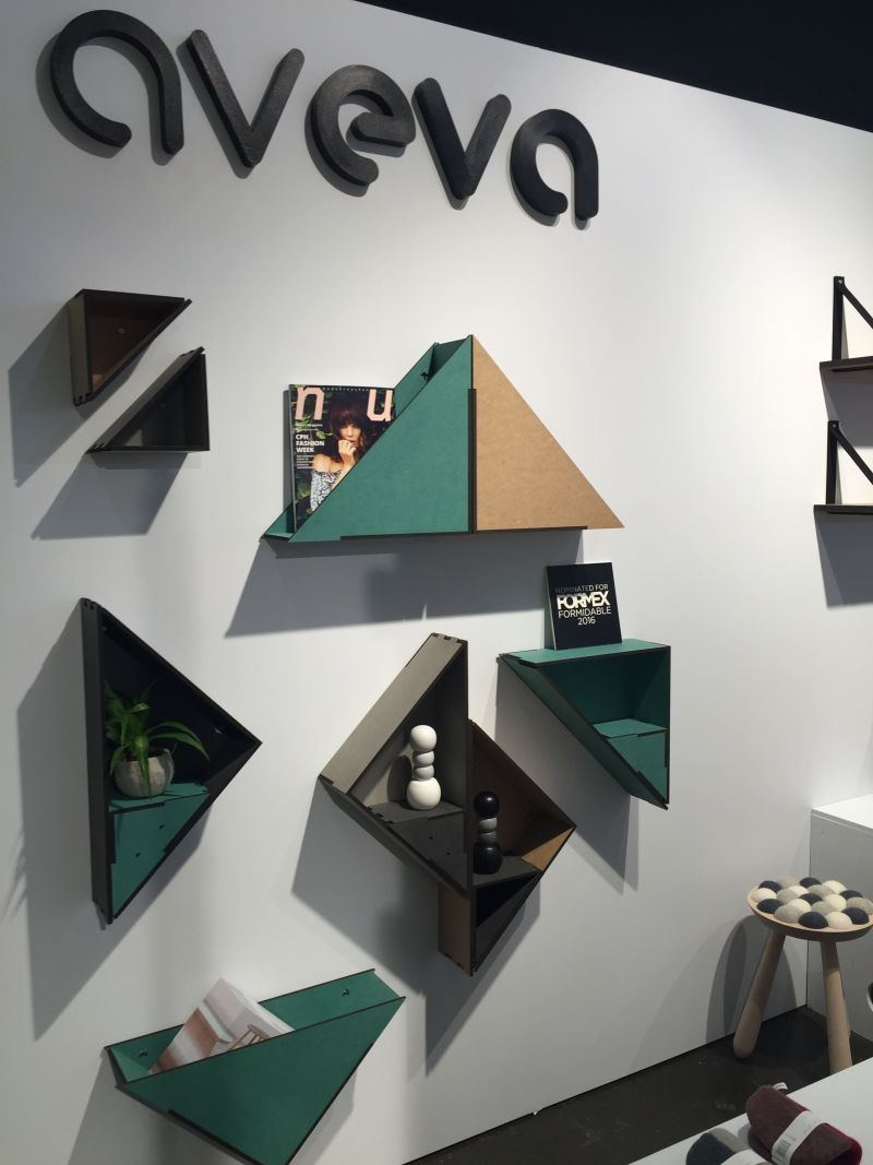 Cool MDF triangle shelves