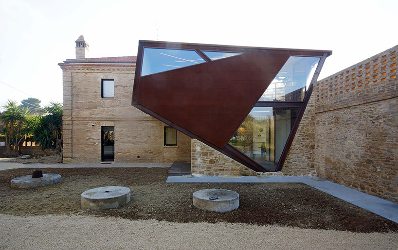 Corten Building extension Design