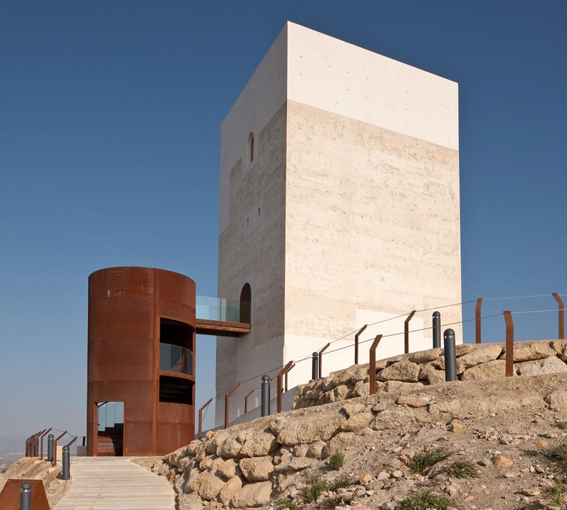 Corten Castillo Miras Tower extension