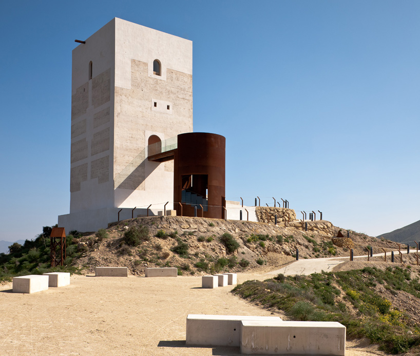 Corten Castillo Miras Tower