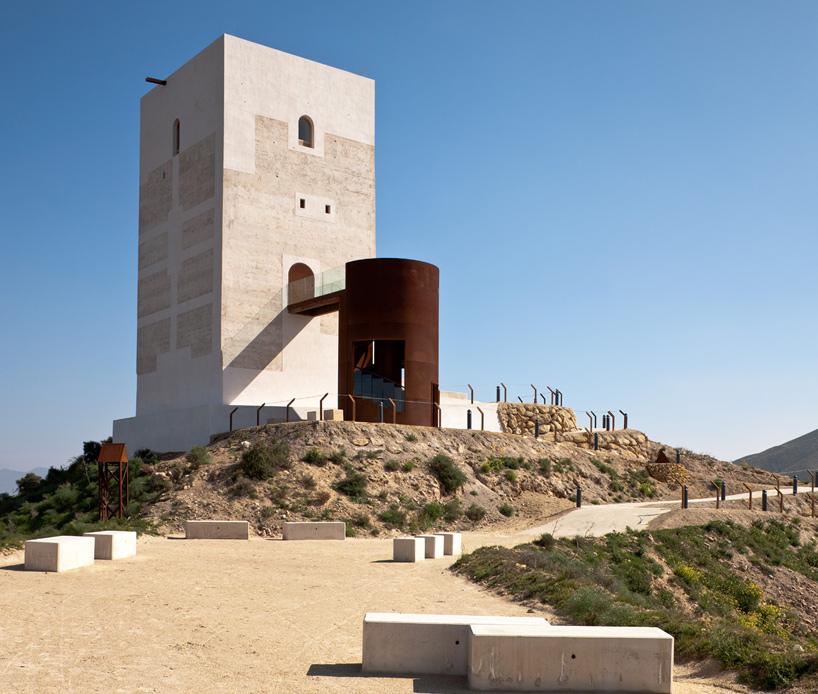 Corten Castillo Miras Tower