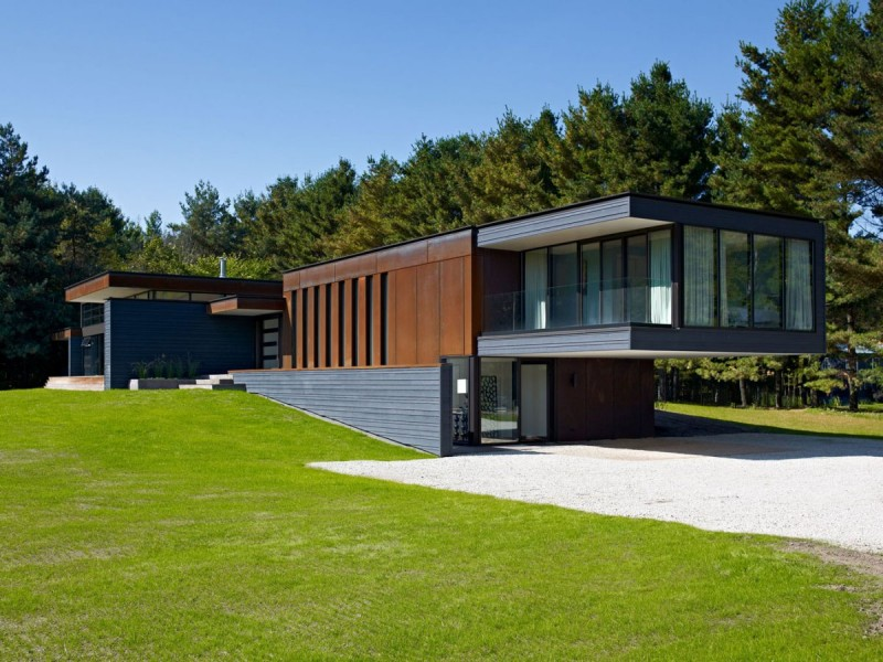 Corten facade on Private Residence Cantilever