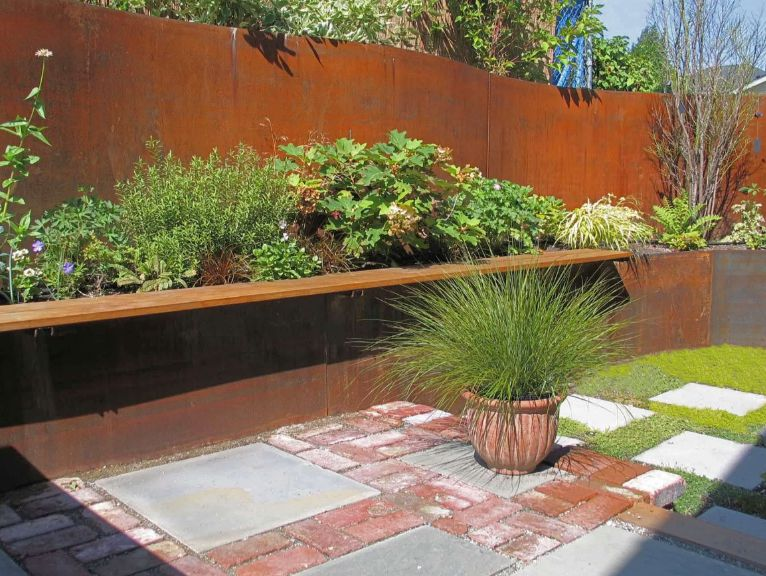 Corten fence and planters