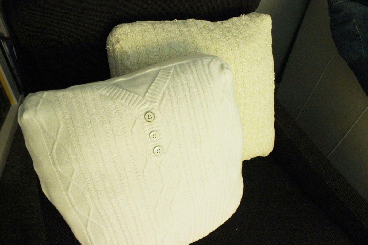 DIY Cable Knit Pillow DIY