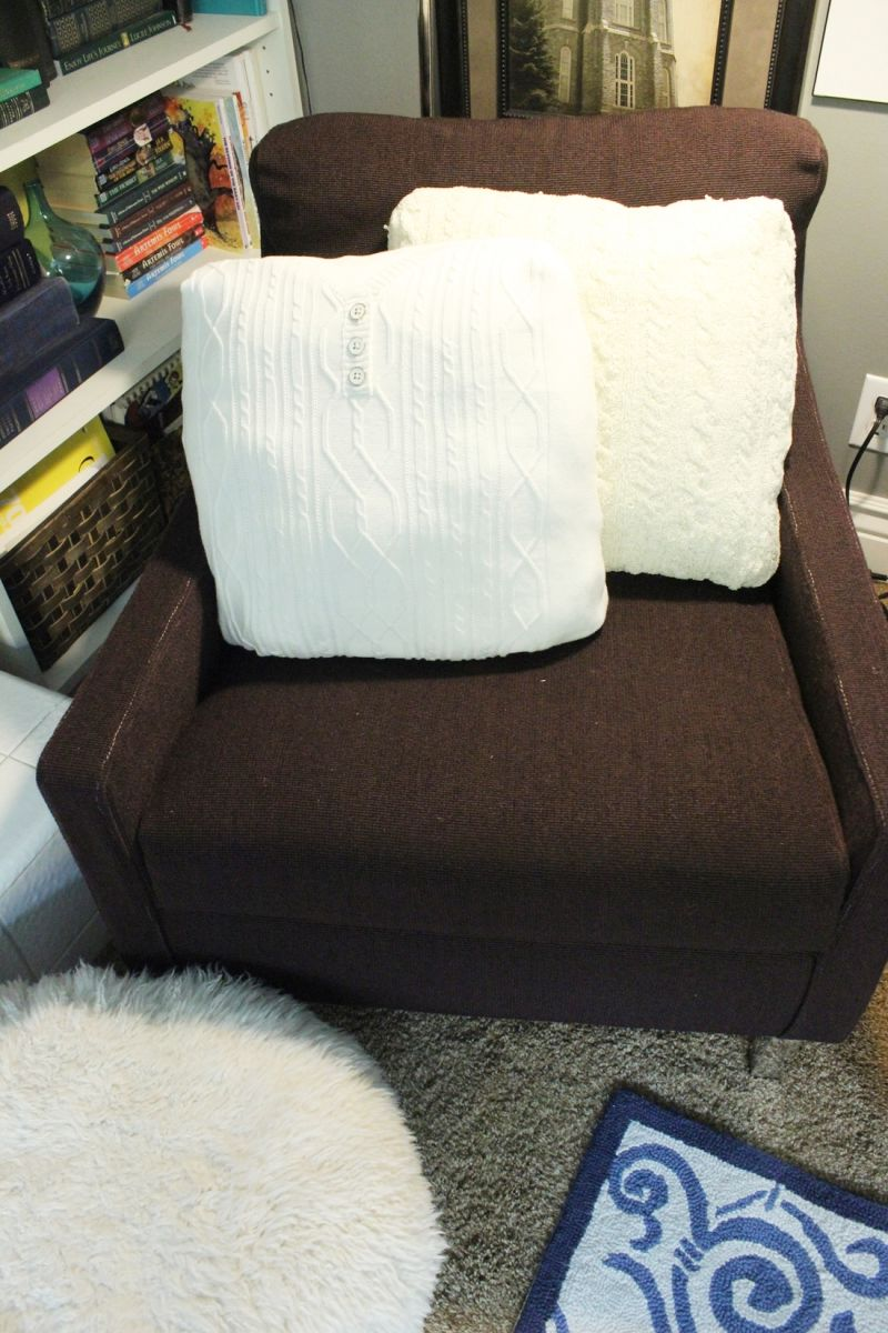 DIY Cable Knit Pillow for Cold Season