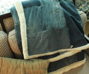 DIY Denim and Faux Fur Throw Blanket – Chic & Cozy for Fall!
