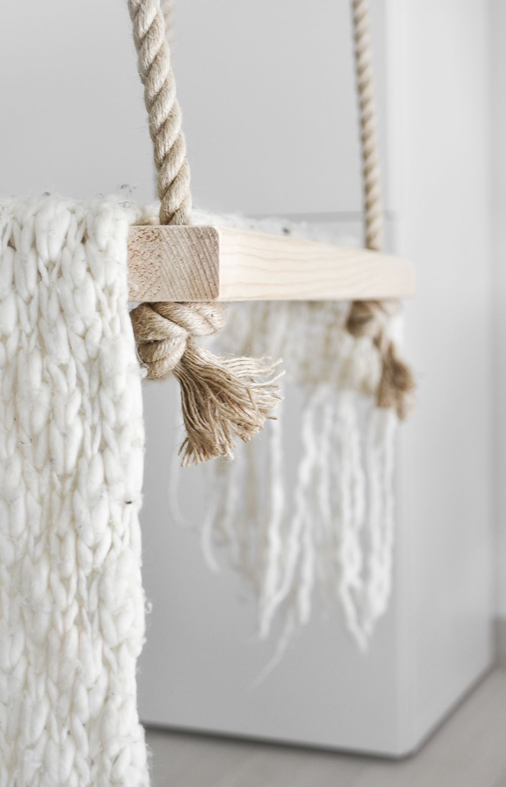 DIY Dreamy Indoor Swing Knot