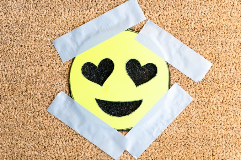 DIY Heart Eye Emoji Doormat Start Painting