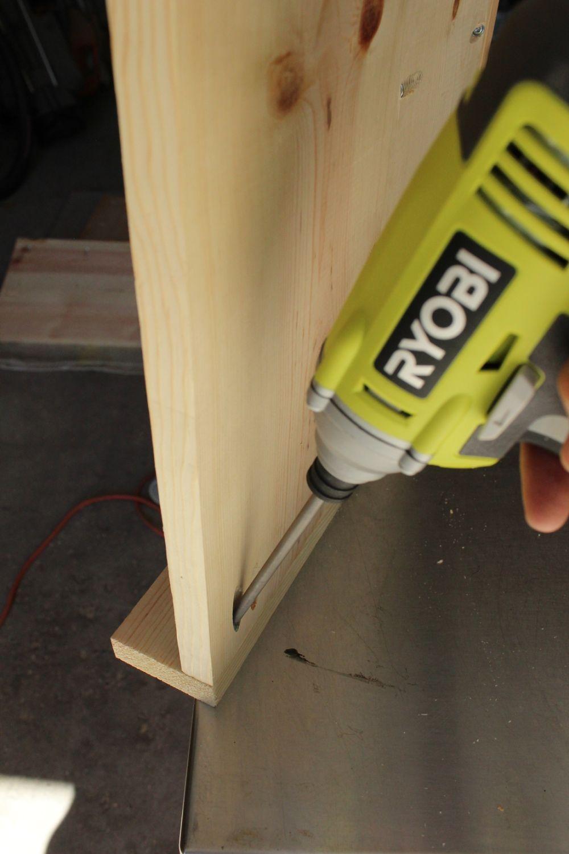 DIY Industrial Rolling Cart -screw