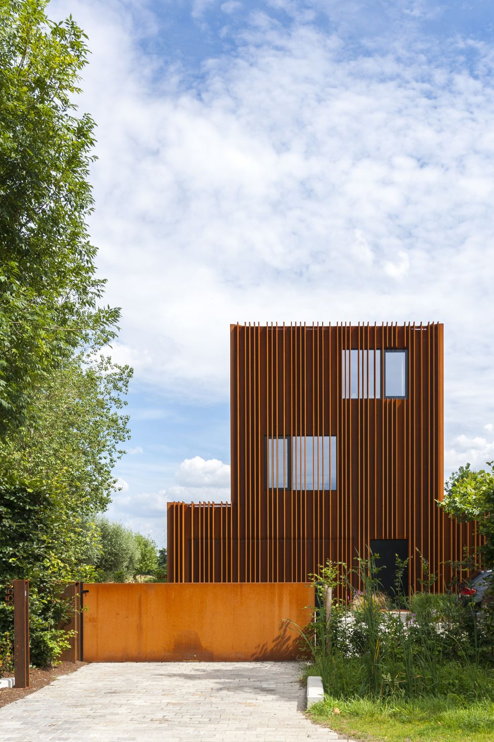 Design The Corten House by DMOA Architecten