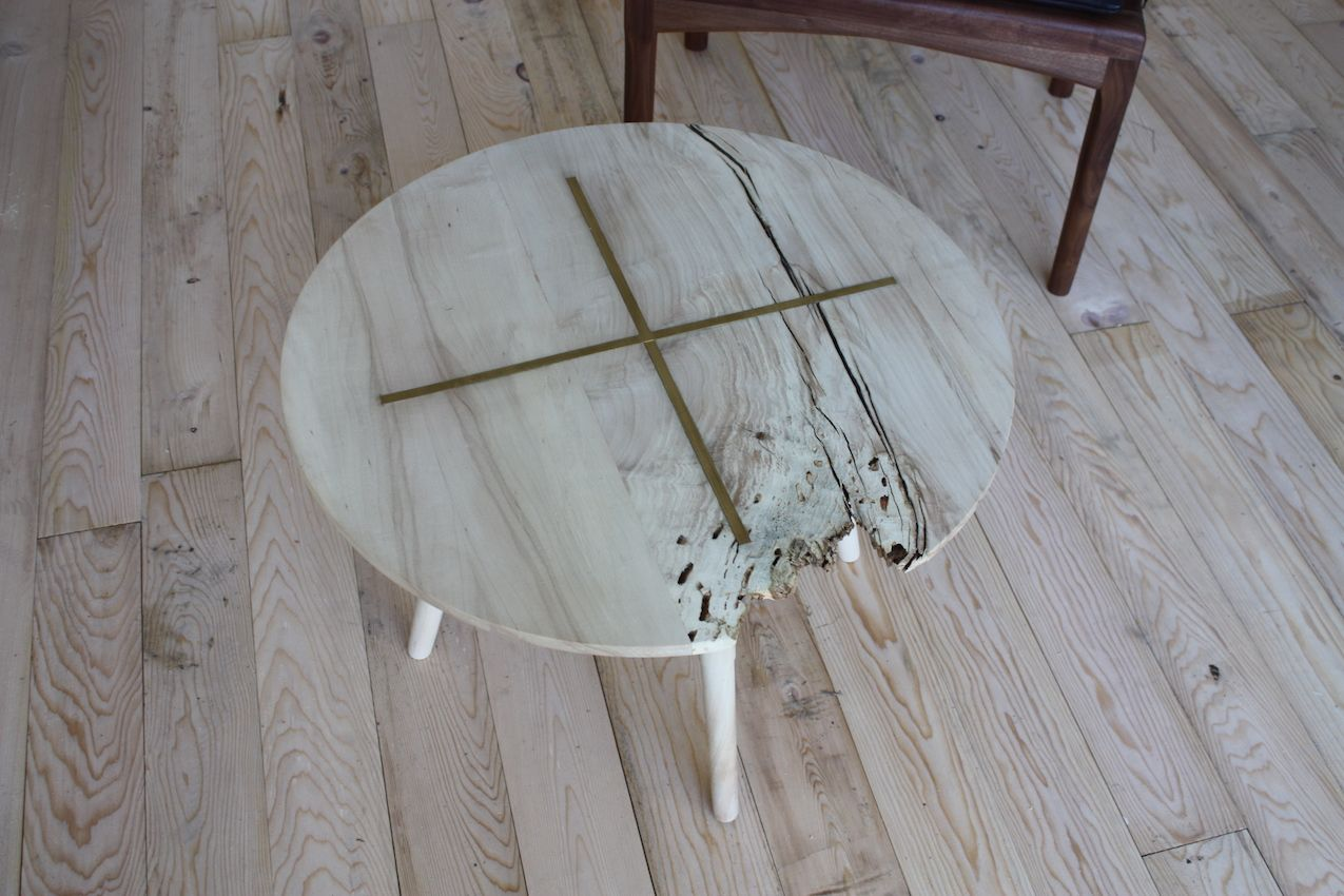 Dzierlenga coffee table design