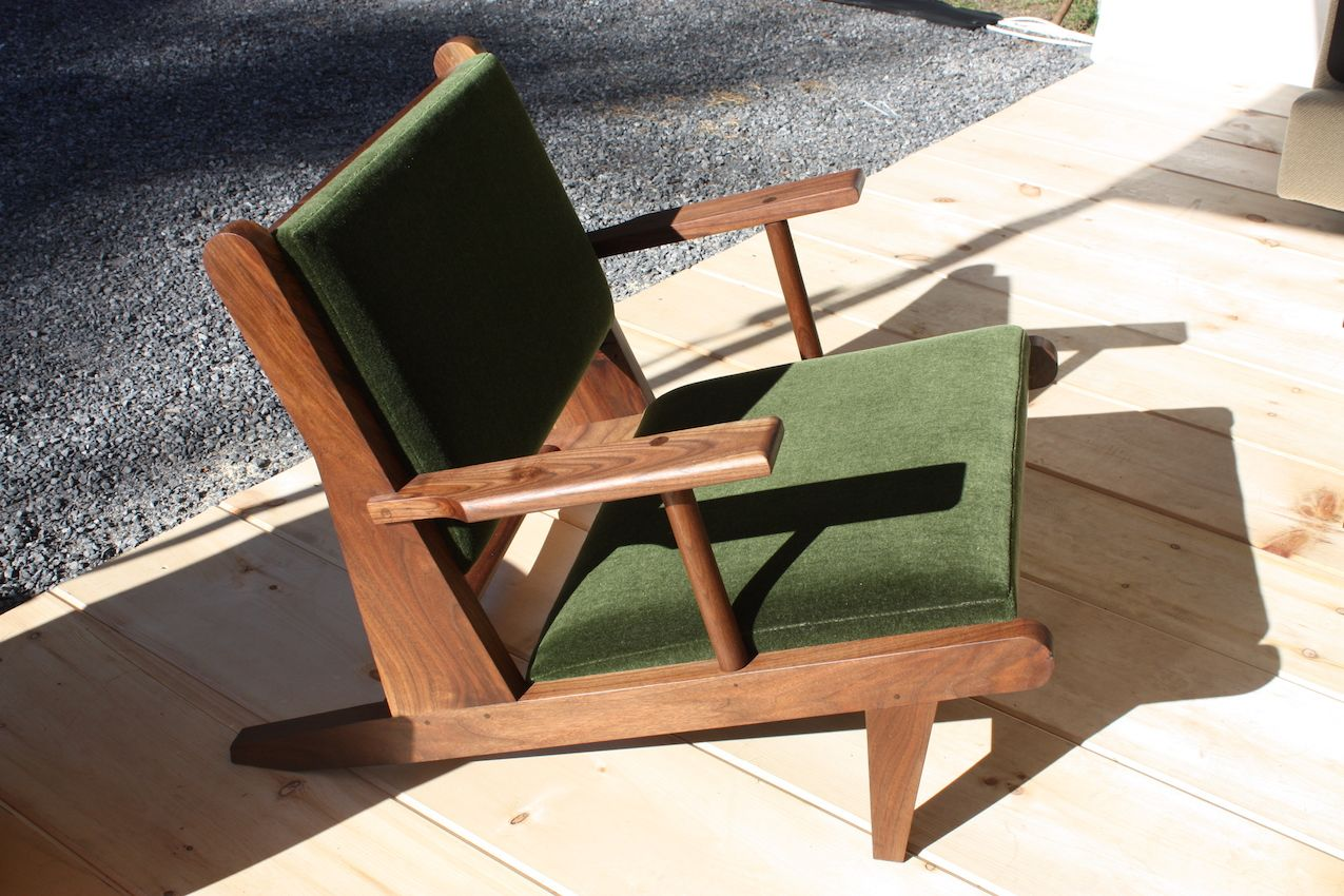 Fern presented its hunting chair with wonderful angled design