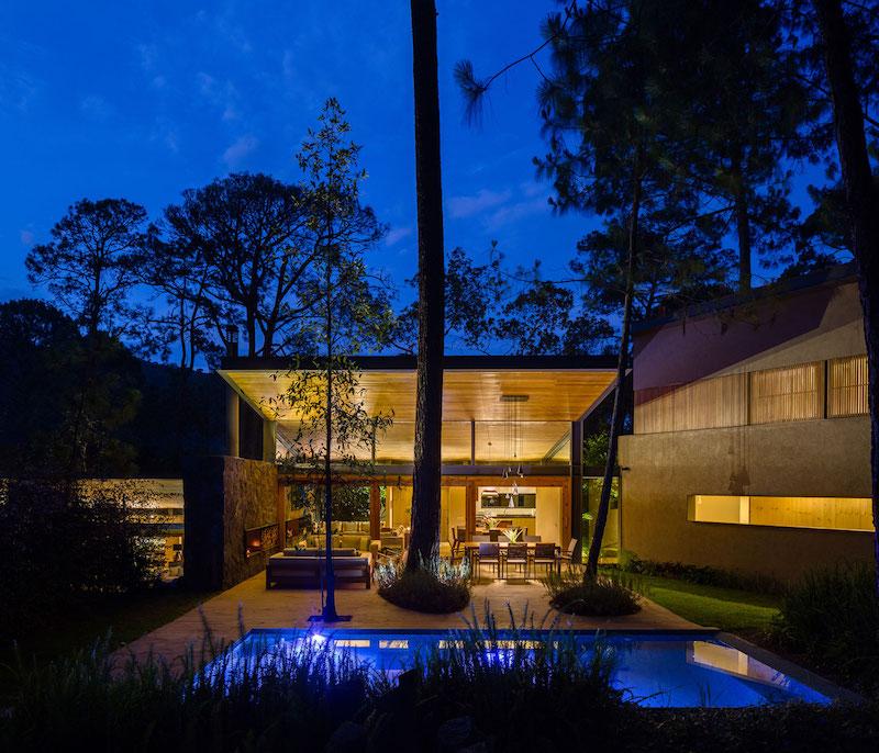 Five Houses condominium night view of outdoor area